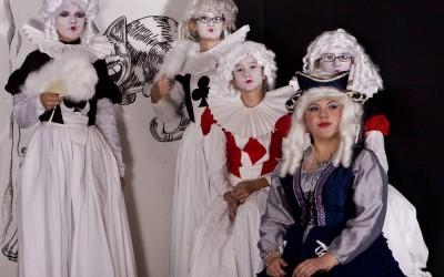 AliceInWonderland2011-005